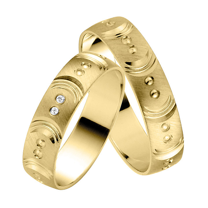 Trauringe Paar, Gelb 333 Gold, Eheringe, bei Damenring inkl. 2 Brillanten