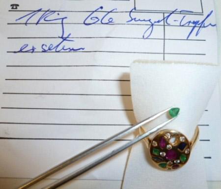 Steinreparatur Ersatzstein Smaragd Tropfen fac. 4x3mm.JPG