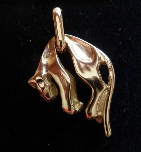 Panther Anhänger von Cartier? · Schmuckforum Wissen rund
