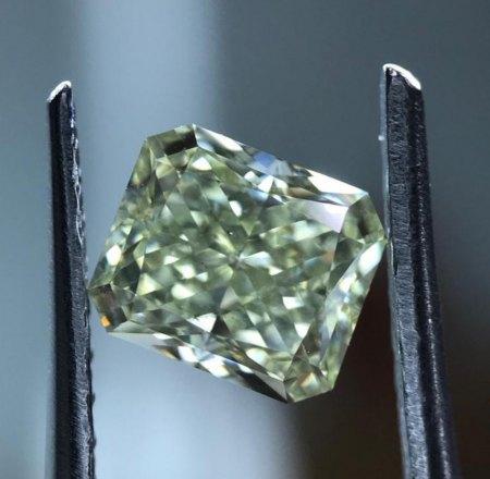 Farbiger Diamant - Fancy green