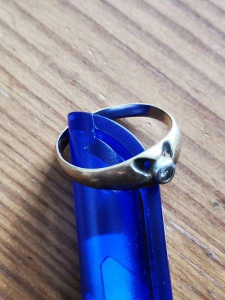 ZE Stempel im Ring