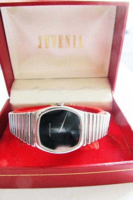 Was ist diese Juvenia Uhr wert ? Uhrband massives Weißgold, 18 ct.,