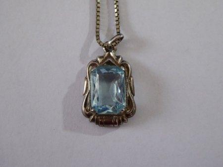 Silber Halskette & Ring. Steine Wertvoll?