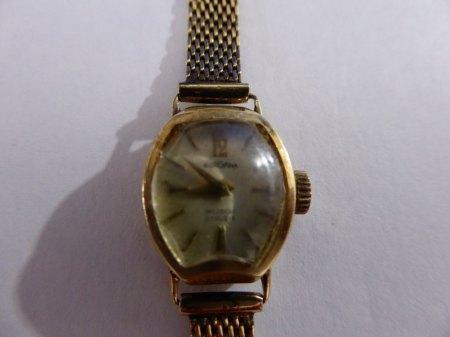 Bergana Damenuhr funktioniert aus 585 Gelbgold