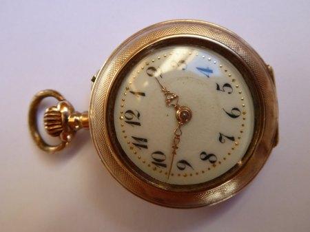 Reparatur einer Jugendstil-Damentaschenuhr
