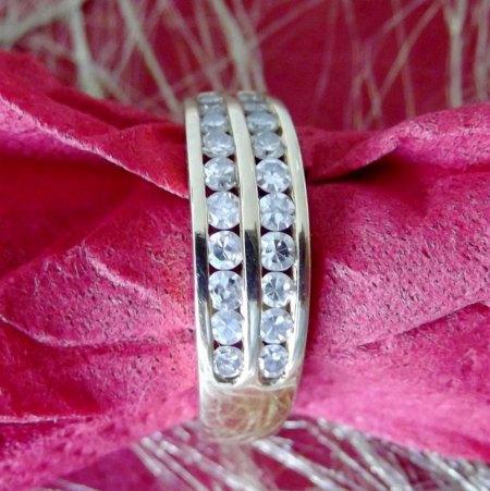 ich möchte gerne einen Diamant ? Ring von mir verkaufen!