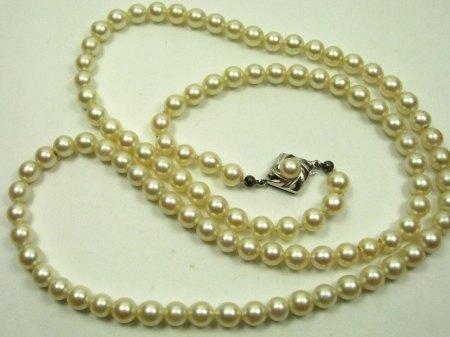 Perlenkette 1