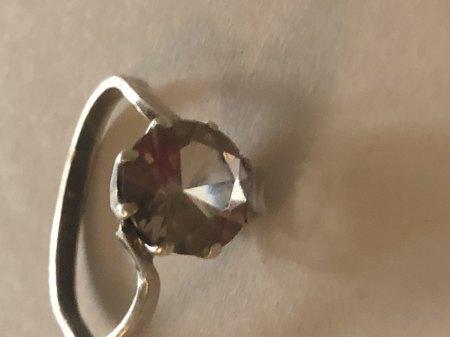 Ring 835 / Glas oder echt?