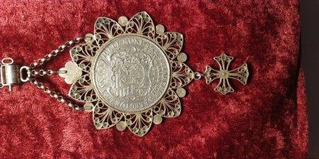 Alte Kette mit Medallion