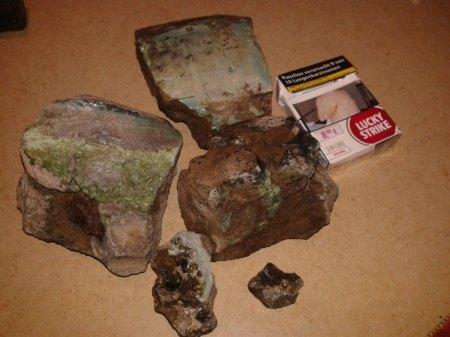 Kennt jemand solche steine???