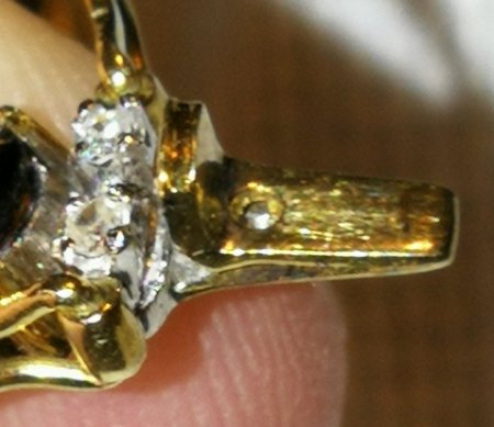Jemand Interesse an Safir/Diamanten (??) Armband (Modeschmuck)