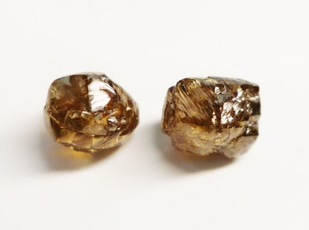 (Verkaufe) 2 Rohdiamanten fancy light brown gesamt 6.05ct