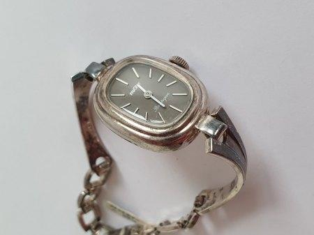 alte Silberuhr - was kann das sein? Wertschätzung. Danke 🙂