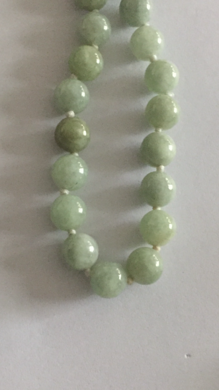 Stein-Perlen Kette mit Gold Verschluss