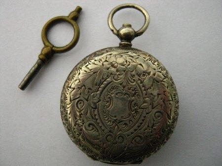 Kleine Taschenuhr aus 935 Silber