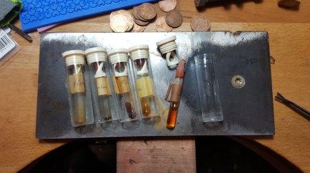 Silbersulfat und Duftöle bei Emaillepulverkonvolut gefunden