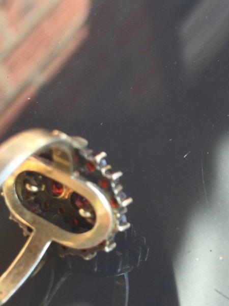 Schöner alter Granatring..Punze 900 G2  und ein anderes..Gewicht ca. 4,7- 4,8 Gramm