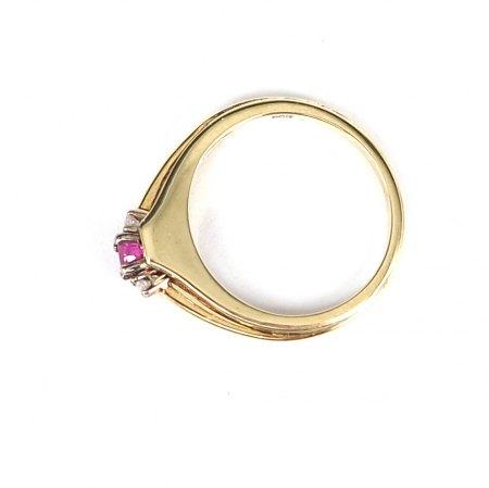 Rubin Ring nit Diamanten