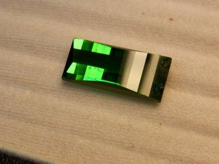 Ein grüner Turmalin von fast 35 ct und guter Farbe