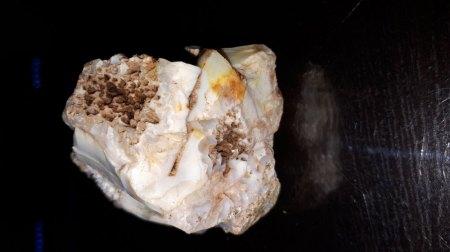 Stein mit Kristalle gefunden , bitte um Hilfe !