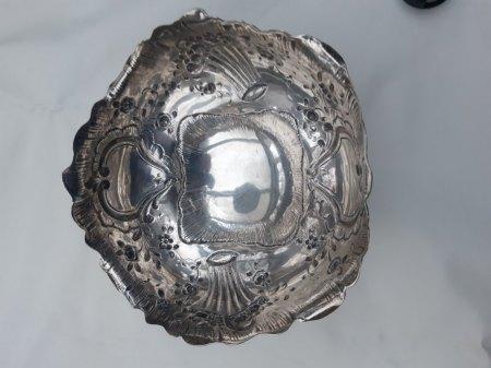 Silberschale mehr wert als Silberpreis ?