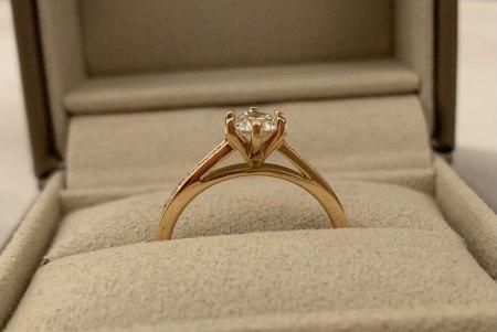 Verlobungsring: Zu große Fassung