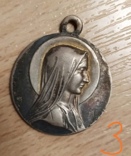 Alte Silber-Medaillons (Dachbodenfund)