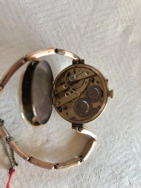 Uhr MB & Co.