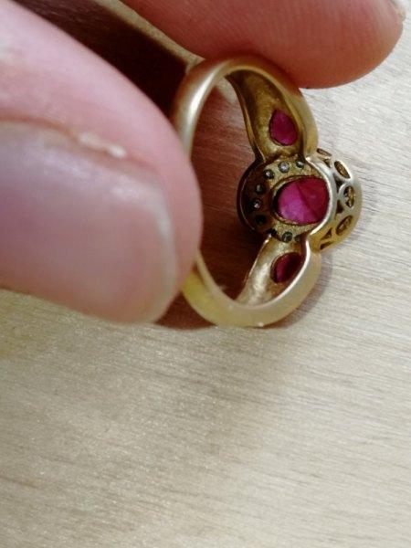 Silberring (Mexico, Ureinwohner); Goldring (Drei Rote Steine, 750)
