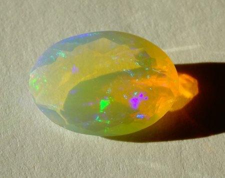 Welo Opal - oval facettiert - 1,9 Carat aus Goldschmiede zu verkaufen