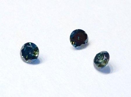3 Brillanten - fancy grün - aus Goldschmiede zu verkaufen
