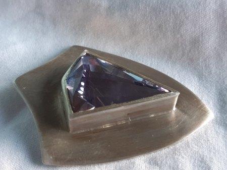 Stein einfassen ohne Rückenplatte