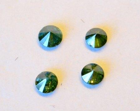 4 Brillanten á 0,05 ct - fancy grün - aus Goldschmiede zu verkaufen