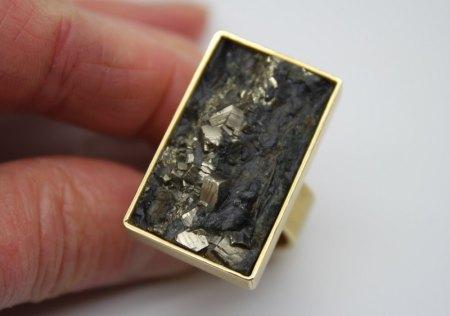 Was ist das in dem Stein ?
