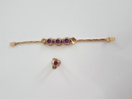 Ring mit Armband mit lila Steinen