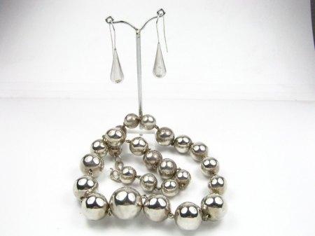 Silbercollier und Ohrhänger