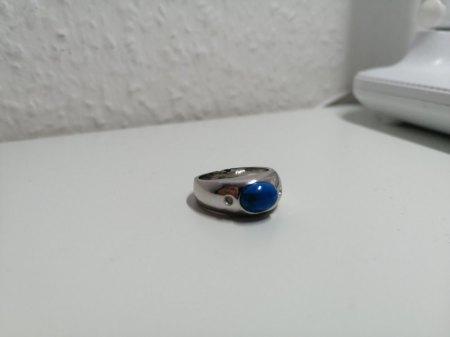 Ring mit blauen Stein, was könnte es sein?