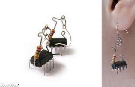 electronic_jewelry_art1.jpg