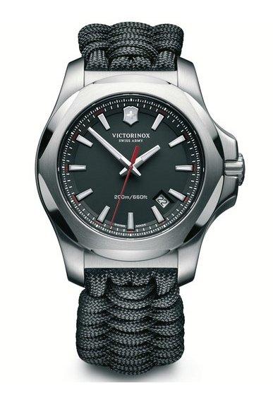 Victorinox I.N.O.X. Armbanduhr